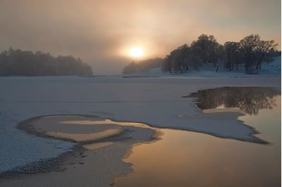 River Spey in winter, Scotland. Photo: Peter Cairns